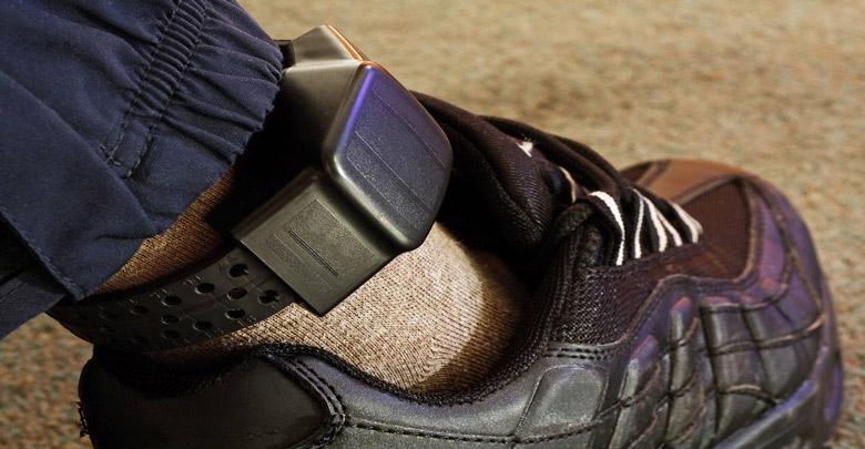 انگلیس هزاران مجرم را با تگهای GPS ردگیری میکند اما هنوز ابهامات اخلاقی پا برجا هستند
