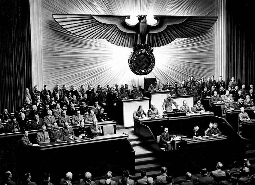 اعلام جنگ آدولف هیتلر