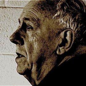 نقد و بررسی فلسفه اخلاق مدرن از نگاه مکاینتایر